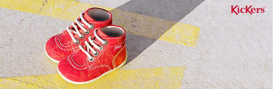 Les chaussons pour bébés de la marque Kickers