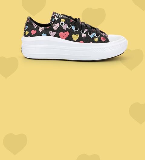 Les chaussures en toile
